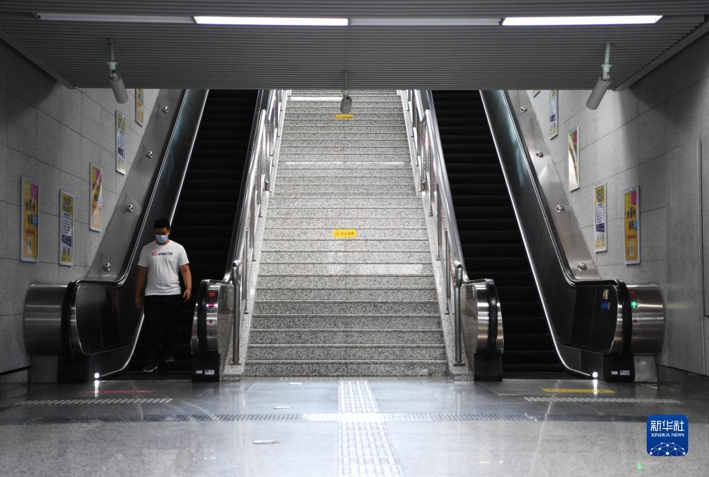 喜讯!郑州地铁首批3条线路恢复载客运营