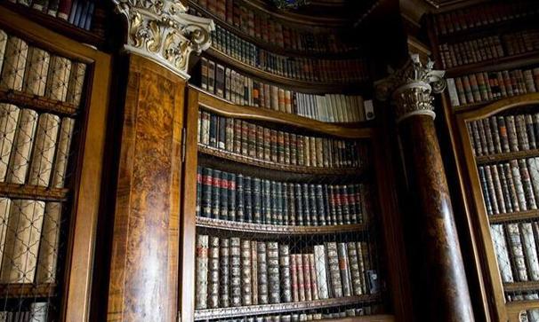 跨越千年的瑞士聖加侖修道院圖書館