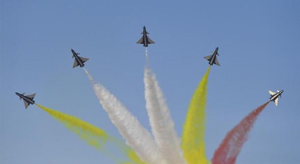空軍以全盛陣容展翅長春慶祝成立70周年