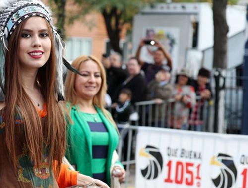 芝加哥舉行墨西哥獨立日慶祝遊行