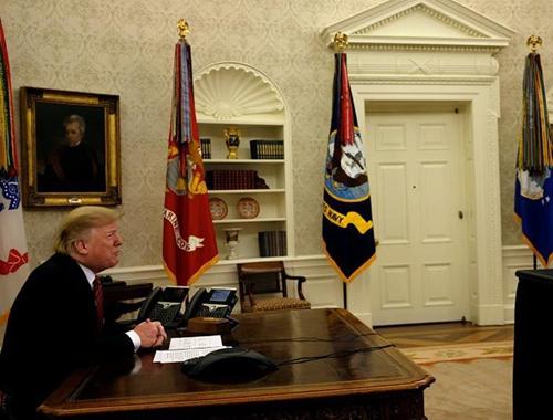 特朗普聖誕節連線美國軍人視頻通話