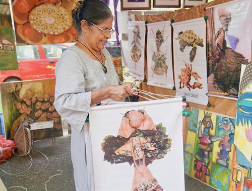 漫步斯裏蘭卡卡拉·波拉戶外藝術展