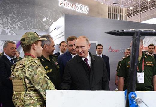 俄國際軍事技術論壇持續舉行 普京到場參觀
