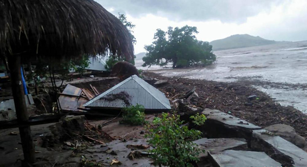 印尼洪災已致55人死亡40人失蹤