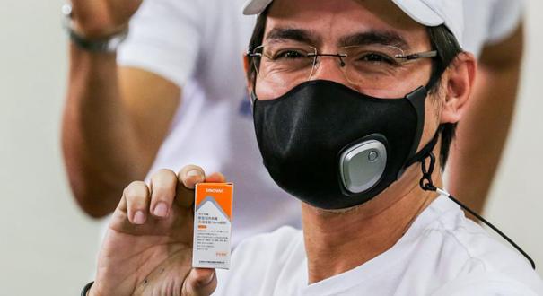 菲律賓馬尼拉市市長莫雷諾接種中國科興新冠疫苗