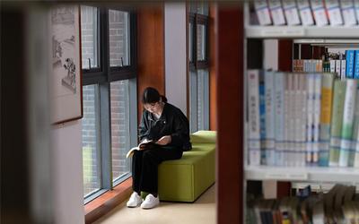 【組圖】貴州播州:圖書館提檔升級 豐富群眾精神文化生活