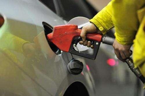 國內成品油價格上調 汽、柴油每噸均提高145元