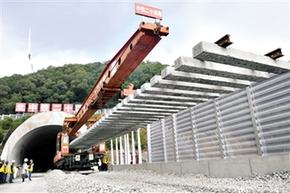 銀西鐵路主體工程完工