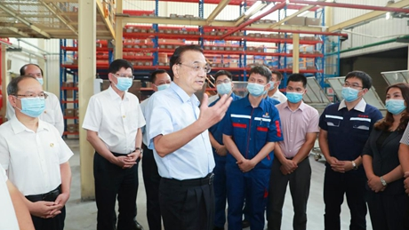 Chinese premier stresses cultivating market entities, improving people's livelihood