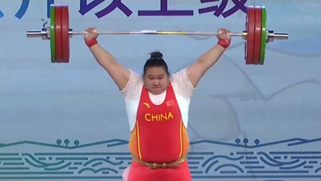 China's Olympic champion wins hearts along with medals