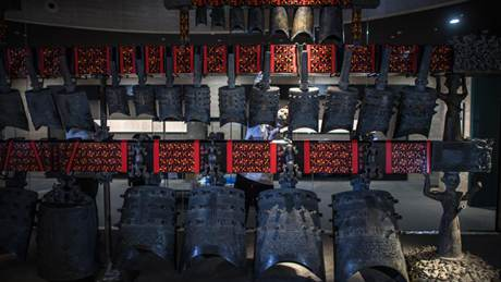 Chime bells transferred to newly-built exhibition hall of Hubei Provincial Museum