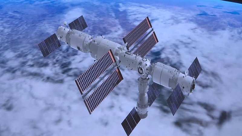 GLOBALink   China's Shenzhou-13 crewed spaceship docks with space station module