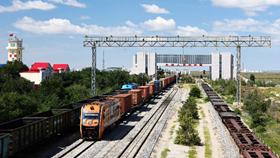 China-Mongolia border port handles 8,000 China-Europe freight trains