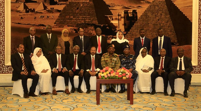 Sudanese PM, officials arrested by military forces: ministry