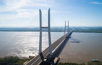 Two new bridges over Yangtze River open to traffic
