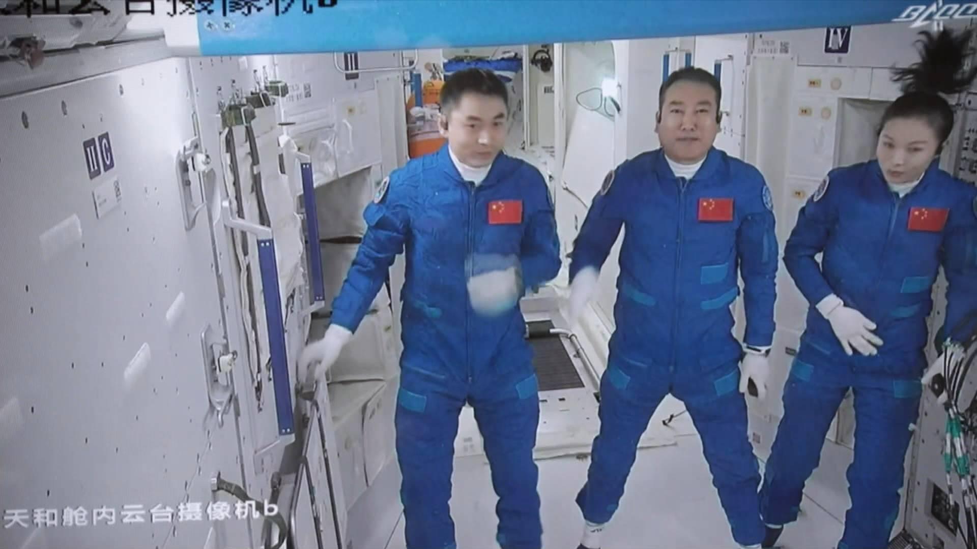 GLOBALink | Shenzhou-13 astronauts enter space station core module