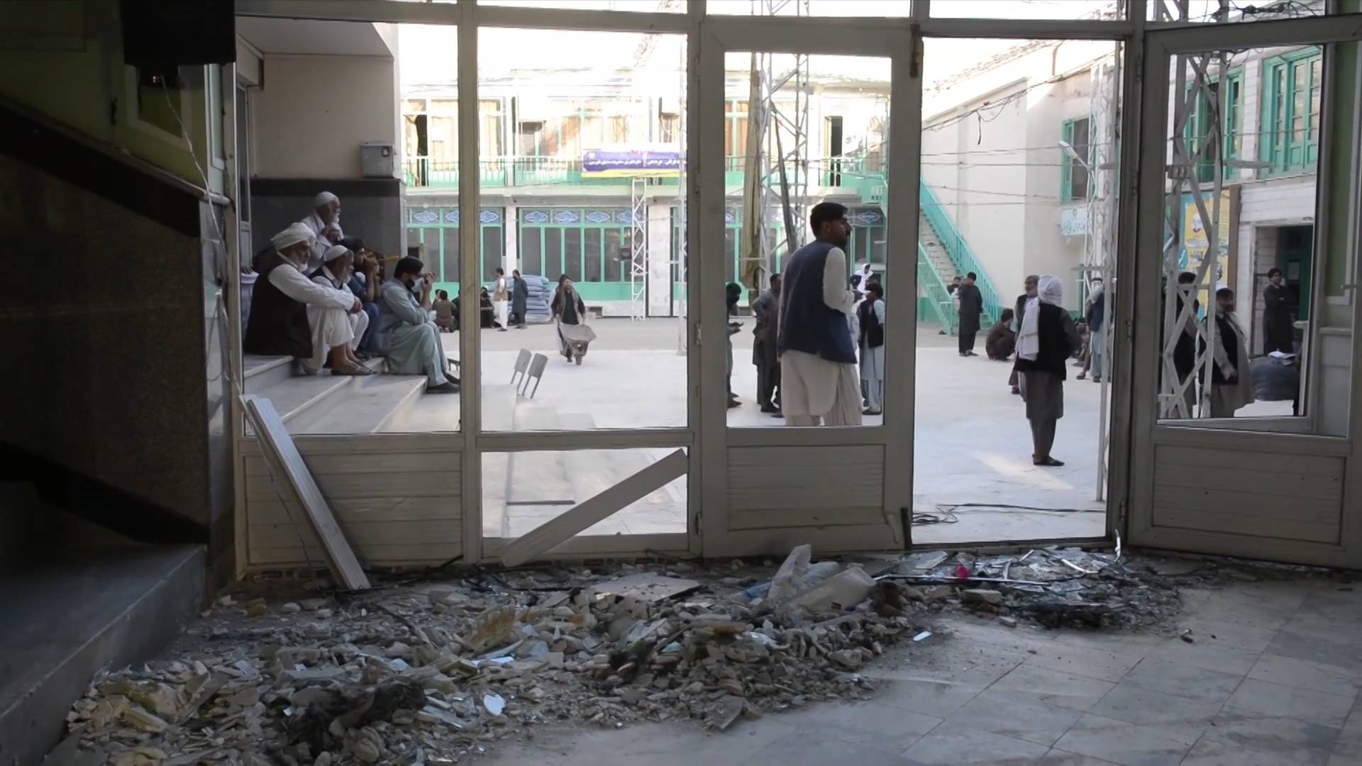 GLOBALink   Blast inside mosque in Kandahar causes concern among war-weary Afghans