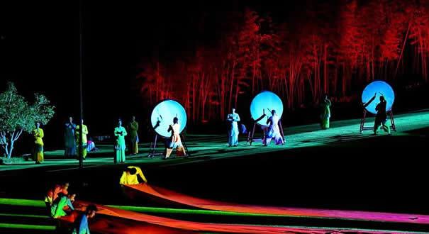 武夷山:《印象大紅袍》引來八方客