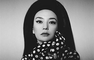 趙薇登封時尚雜志 十次登封盡顯天真感性