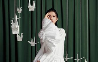佟麗婭雜志大片 美颯有型彰顯時尚態度