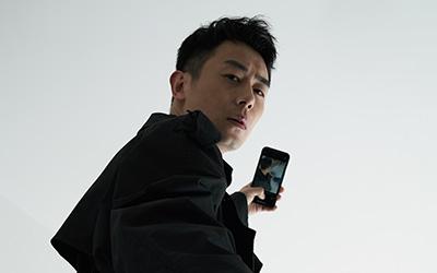 """朱亞文化身暗影行者演繹""""靜像網劇"""""""