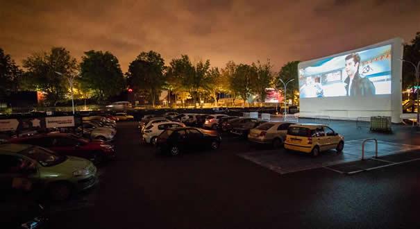 法國:周末的汽車電影院