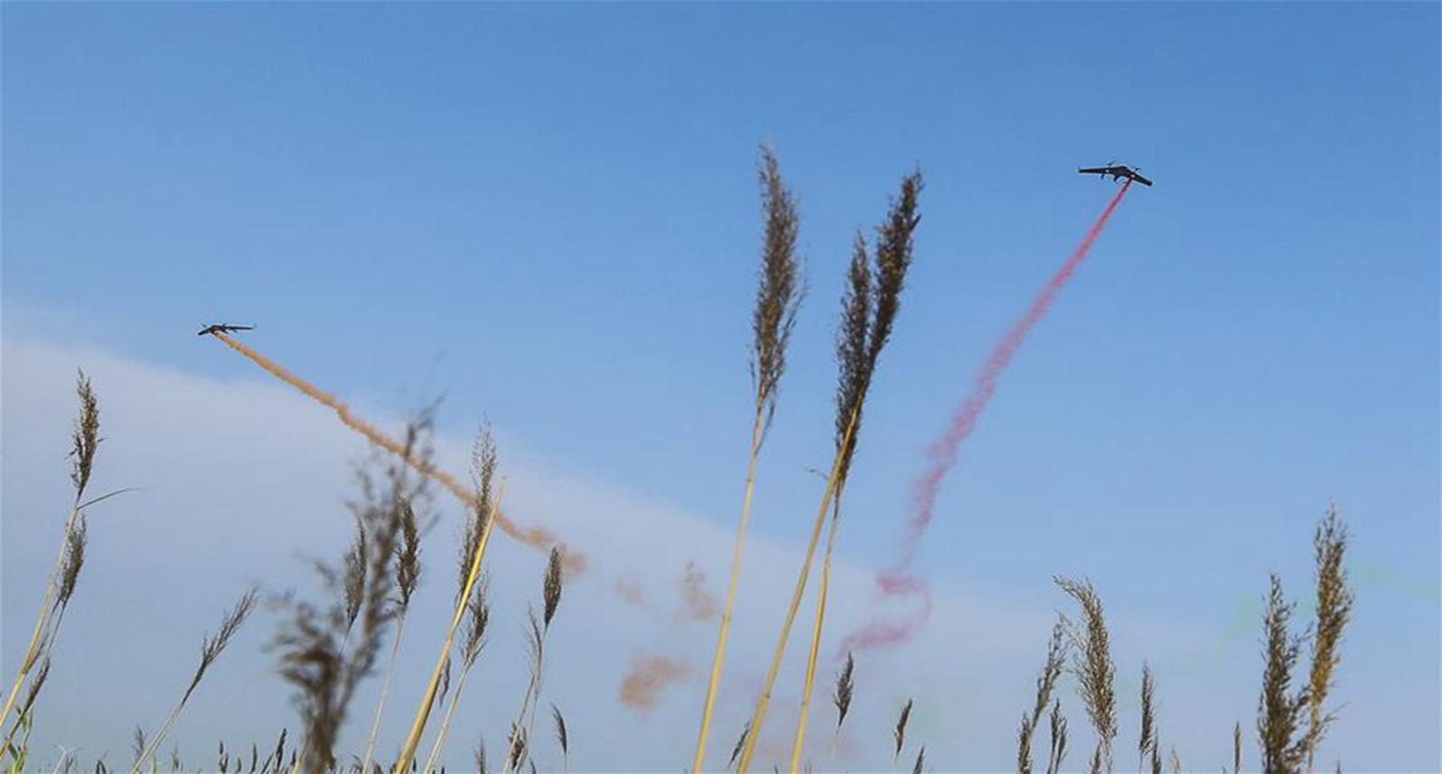 零度智控舉行固定翼無人機集群編隊展演