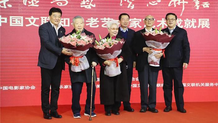 中國文聯舉辦大展 展現田華等知名老藝術家藝術成就