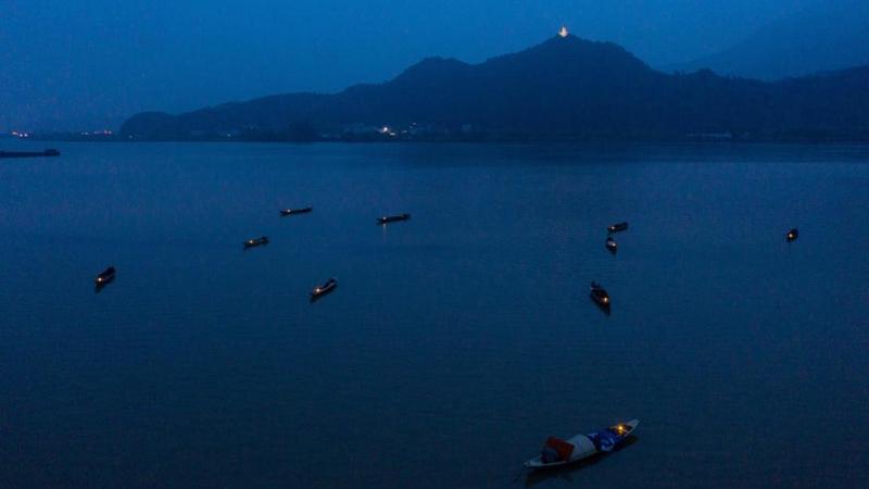 """浙江建德 """"三江渔火""""呈现江南渔村美丽夜色"""