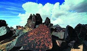 定格在岩石上的北方民族历史画卷
