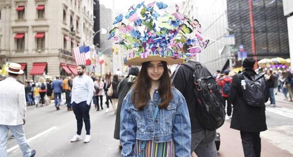 紐約:繽紛花帽慶祝復活節