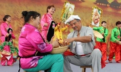為豐收喝彩 為小康奮鬥——各地舉行多種活動歡慶中國農民豐收節