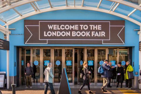 《中国国家人文地理》亮相英国伦敦国际图书博览会