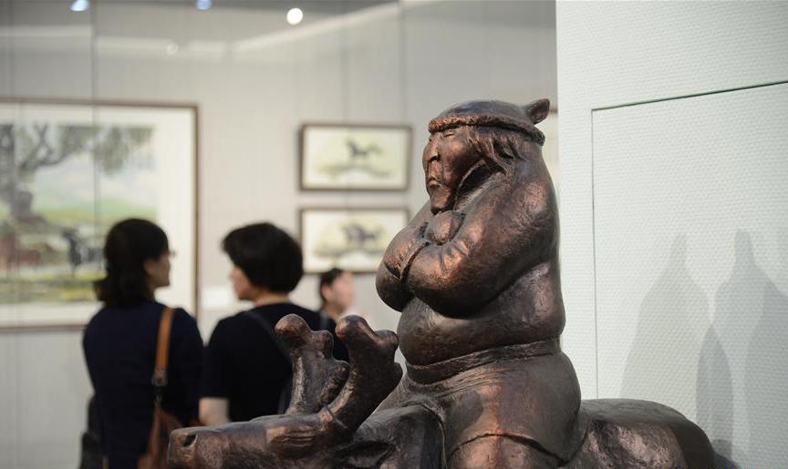 內蒙古美術館舉行鄂莫兩旗文化藝術展