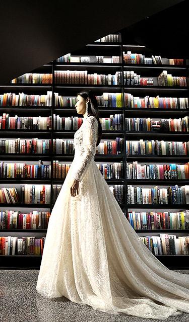 書店內的時裝秀