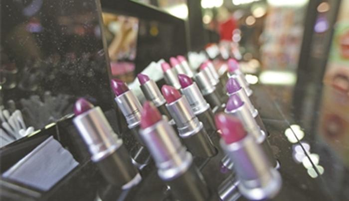 口紅銷量掉一半? 唇粧仍是中國女孩最愛