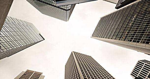 多上市公司預告調降上半年業績