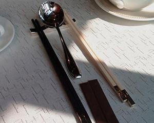 """分餐而食 """"筷""""來行動 ▏微視頻:《一筷之間》"""