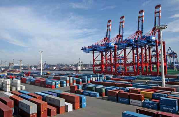 我国外贸进出口增长2.4% 前11月进口额停止