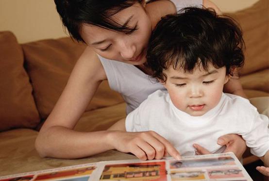 北上廣52%中青年父母掙錢為孩子 指望兒女養老不到三成