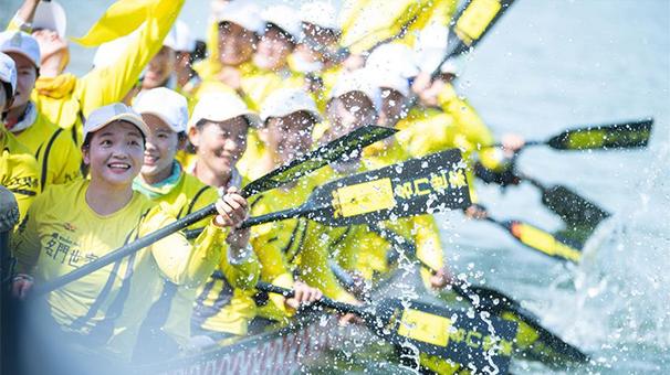 震撼人心!攝影師抓拍澳門國際龍舟賽