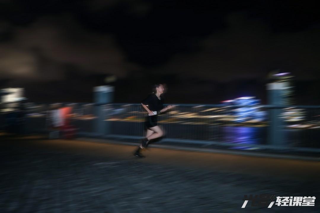 """【光影輕課堂】跟著""""蘇神""""跑起來 教你拍運動照"""