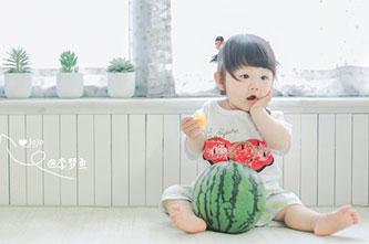 正是幸福之味兒童攝影日常主題的拍攝