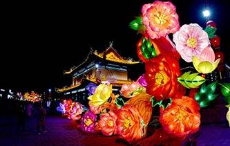 一夜魚龍舞!2018西安城墻新春燈會亮燈 美翻天