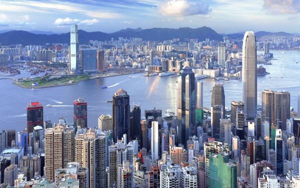 """香港""""佔禍""""周年反思:找對路徑方能花開繁盛"""