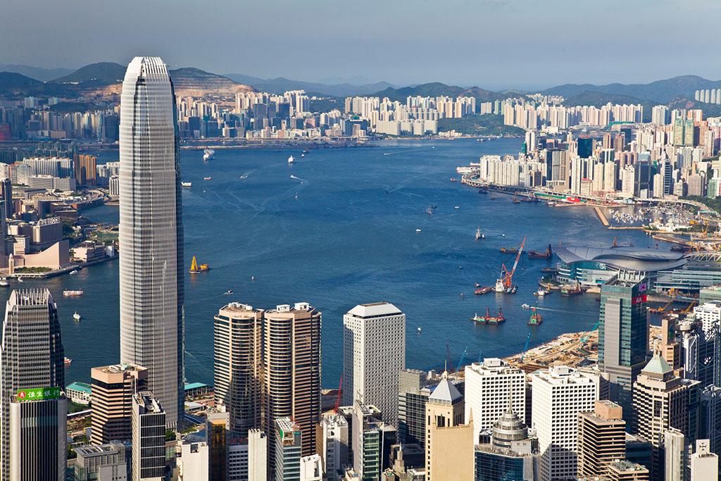 """為香港把握""""一帶一路""""重大機遇揚帆領航"""