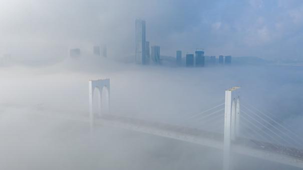 澳門:霧起雲涌