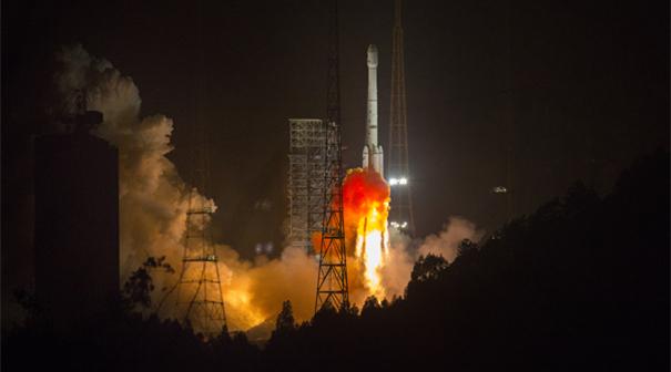 我國成功發射阿爾及利亞一號通信衛星