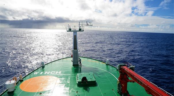 """""""向陽紅01""""船首次穿越東西半球"""