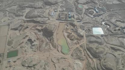批準90畝超挖1000多畝,非法採砂為何如此瘋狂?